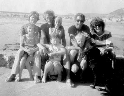 1975: Holiday with the Owens